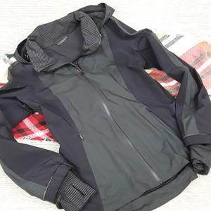 Lululemon grey and black lined jacket